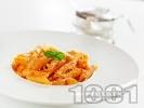 Рецепта Пене със сос от червени чушки и сирене